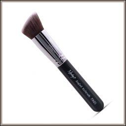 Pinceau teint plat biseauté vegan couleur Onyx Black