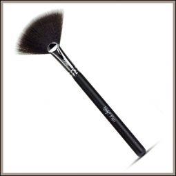 Pinceau éventail vegan couleur Onyx Black